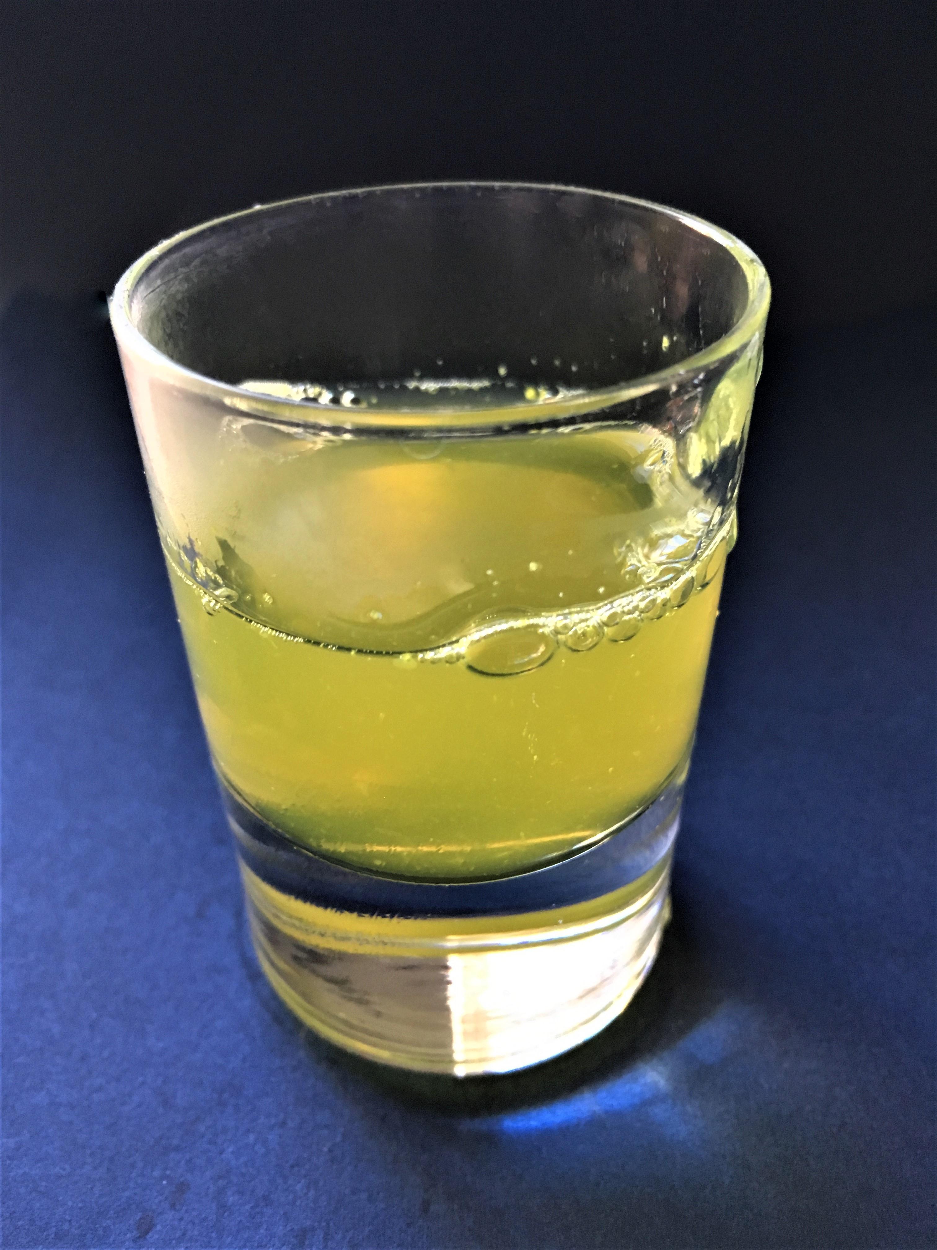 Ingefær, ingefærshot, opskrift, kogt, shot, SuperOtium, sund, gigt, nemt, sjov, gurkemeje, citron, økologi